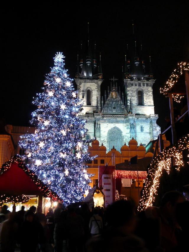 耶誕樹.提恩教堂.jpg