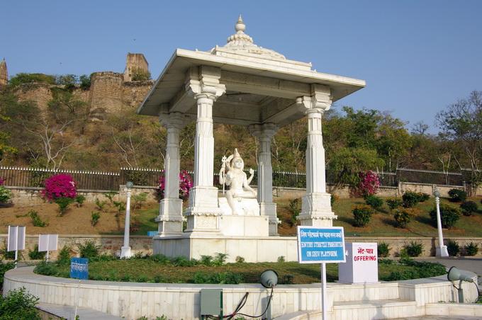 50捷布的印度廟濕婆神像.jpg