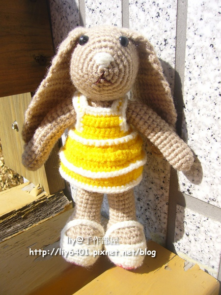Happy Bunny2.jpg