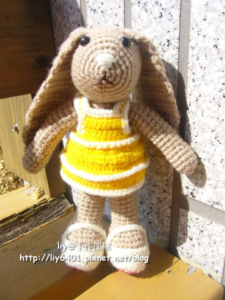Happy Bunny1.jpg