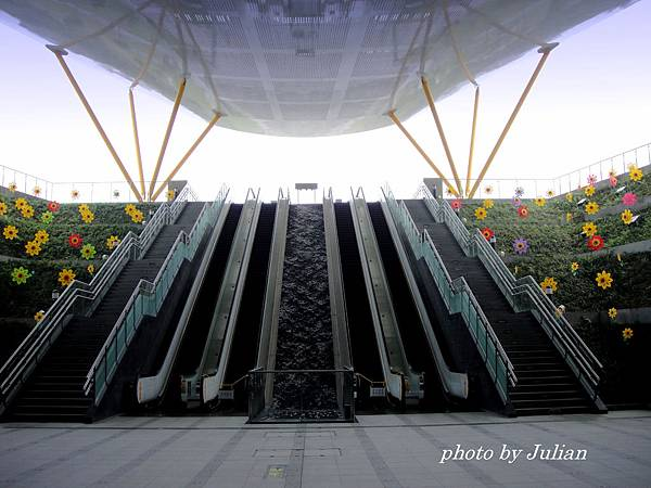 2中央公園捷運站 (1)