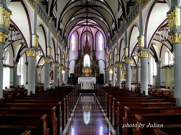 1愛河橋畔玫瑰教堂 (8)