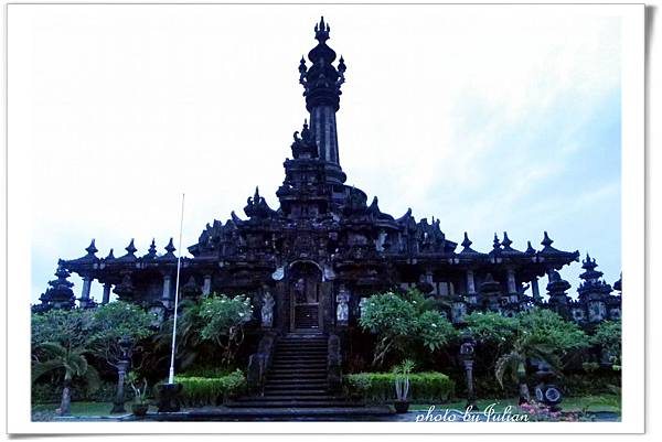 1峇里島小婆羅浮屠2011_0507_182043