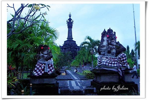 4峇里島小婆羅浮屠2011_0507_181728