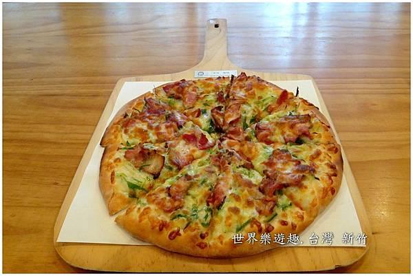 27披薩46白地名
