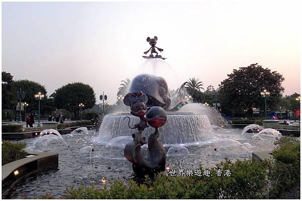 19迪士尼交通&大門.jpg