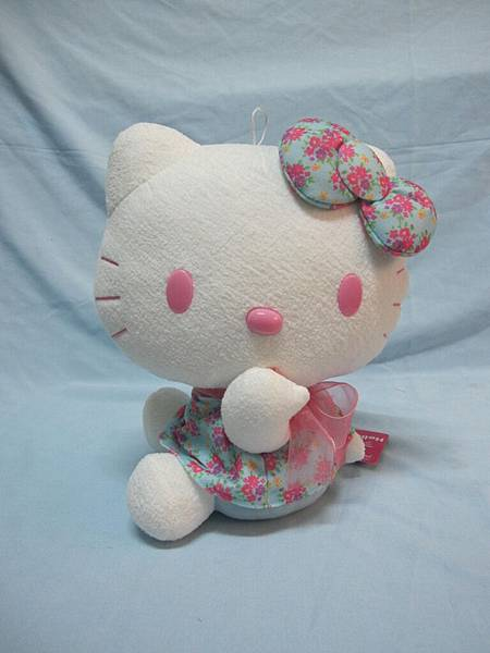 正版限量進口hello kitty27 cm  小花裙MODEL精品生活館 全省免費宅配