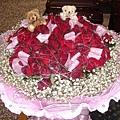 100朵紅玫瑰花束