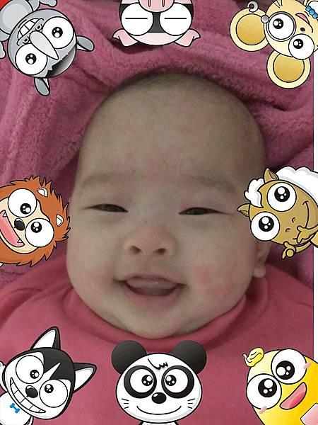 女兒很愛笑
