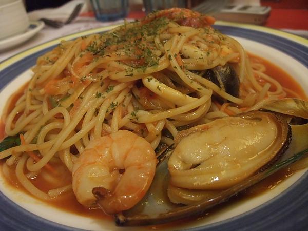 茄汁海鮮義大利麵的特寫