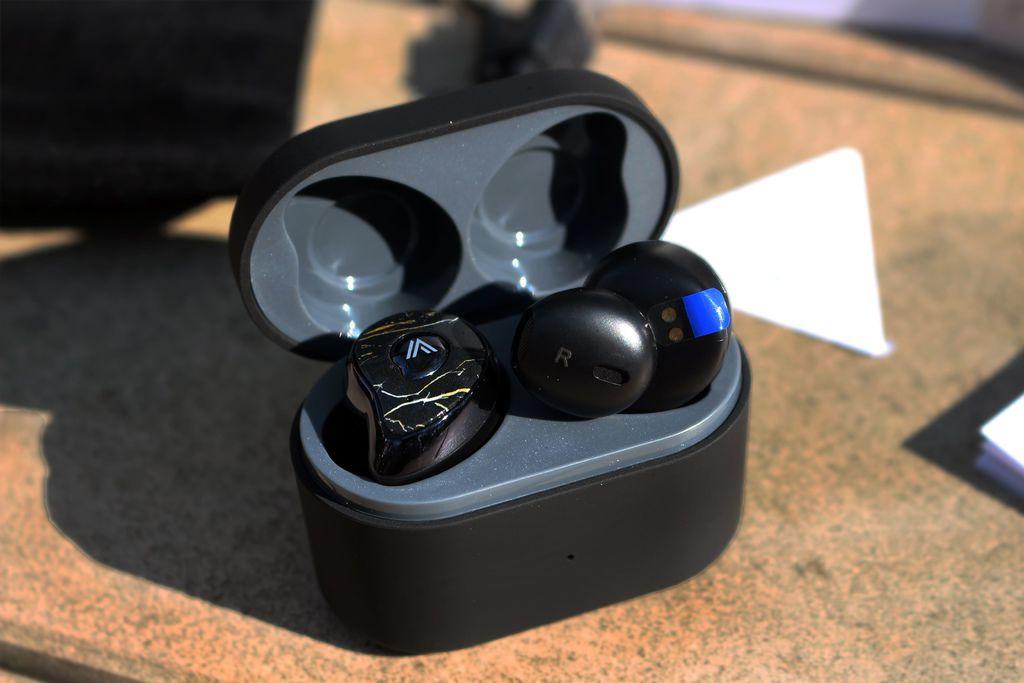 OMIX Y6 真無線半入耳式運動藍牙耳機(左右耳雙主機)-支援Siri和Google助理.jpg