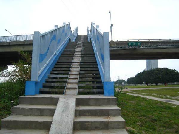 3~6必須拉車上新海橋