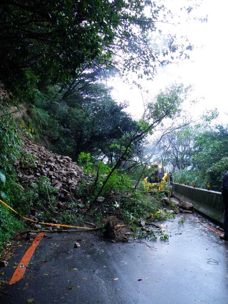 01-01巴拉卡公路~坍方