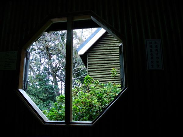 21-04窗外.JPG