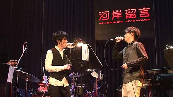 (曾昱嘉)20110319 西門河岸曾昱嘉「Listen」演唱會 12-終於說出口 feat. 小宇0000000.bmp