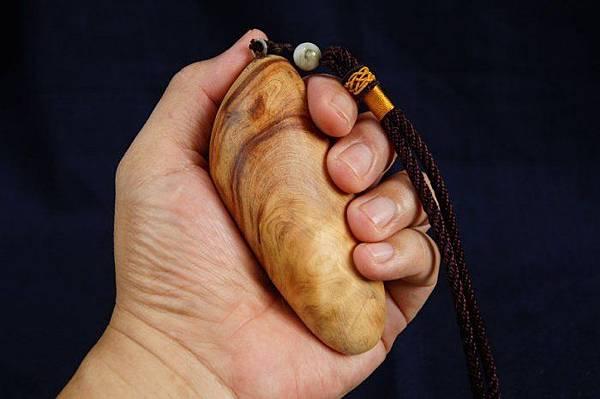 台灣檜木手把握件(A)珍貴檜木.值得珍藏,香味濃厚/聞香把玩
