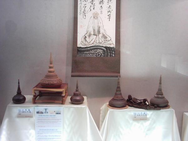 林昭地師生陶藝展01 014[2].jpg