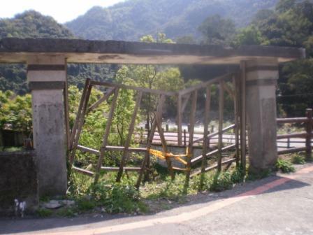 35最初龜山分班的校門位於新烏路三段童訓中心站牌旁.JPG