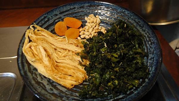 腐皮杏桃干貝絲茼蒿葉