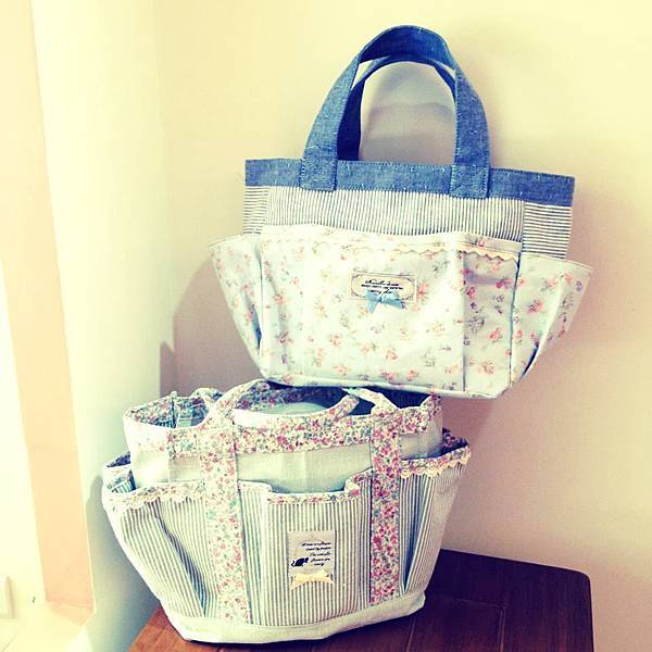 small floral print bag 小碎花提包.jpg
