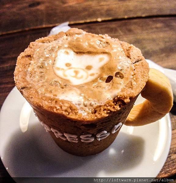 日本大阪 RJ Cafe 餅乾做的杯子喝濃縮咖啡 アール・ジェイ カフェ