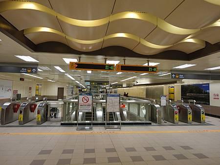 輔大站的大廳層(2)