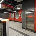 杏花邨站月台、月台閘門
