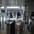 仁川機場站的驗票閘門