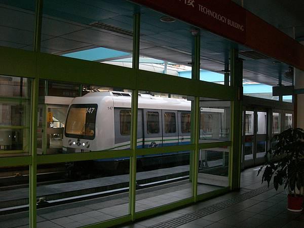 列車出科技大樓站