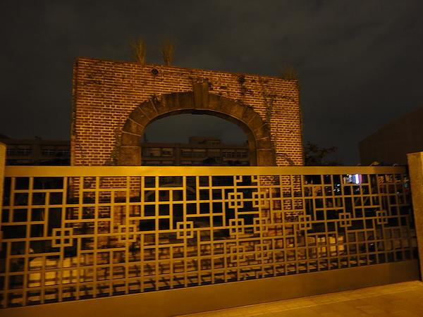 大橋國小的舊校門