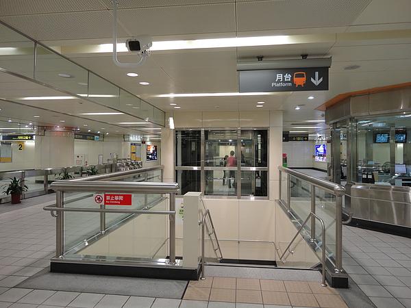中山國小站的大廳層(1)