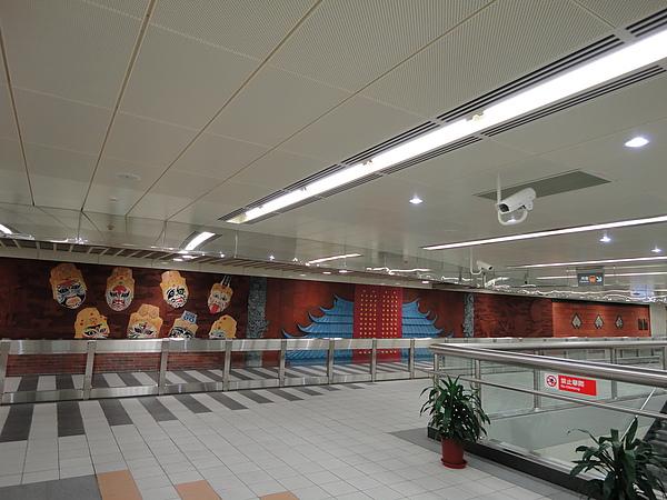 行天宮站的大廳層