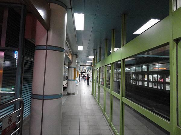 大安站的月台層(2)