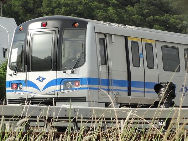 381型列車車頭(2)