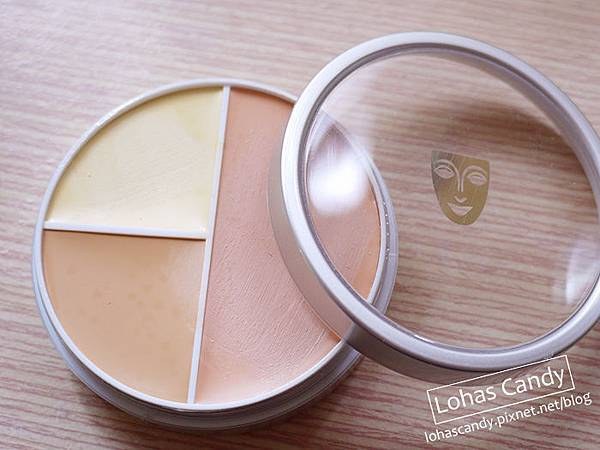 【底妝】KRYOLAN歌劇魅影♥光影塑形三效粉霜➔修容x遮瑕一次完成,夏天還是好持妝!