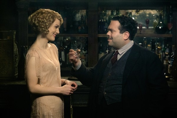 fantastic-beasts-and-where-to-find-them-dan-fogler-alison-sudol-600x400.jpg