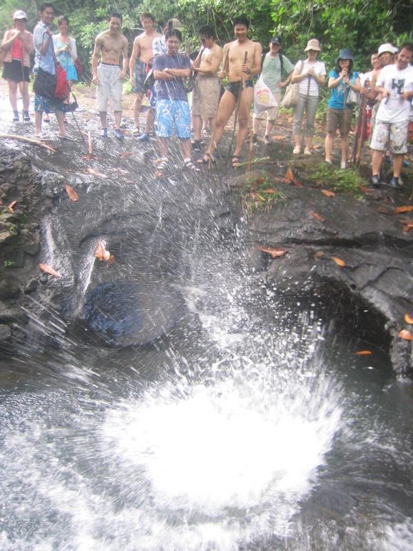 Ngardmau Waterfall 迪翁格拉迪野溪