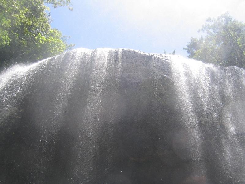 Ngardmau Waterfall 天使瀑布