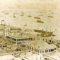 1885年岸邊的建設和海港環境