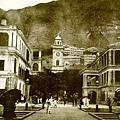 1895年畢打街附近的外商洋行物業-右爲怡和大樓