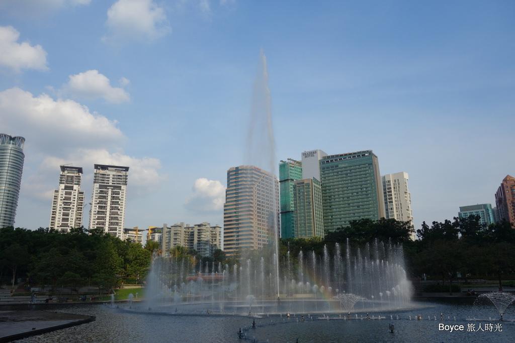 2013-5-16 台北-吉隆坡-清真寺-雙子星-巴比倫-希爾頓.rar