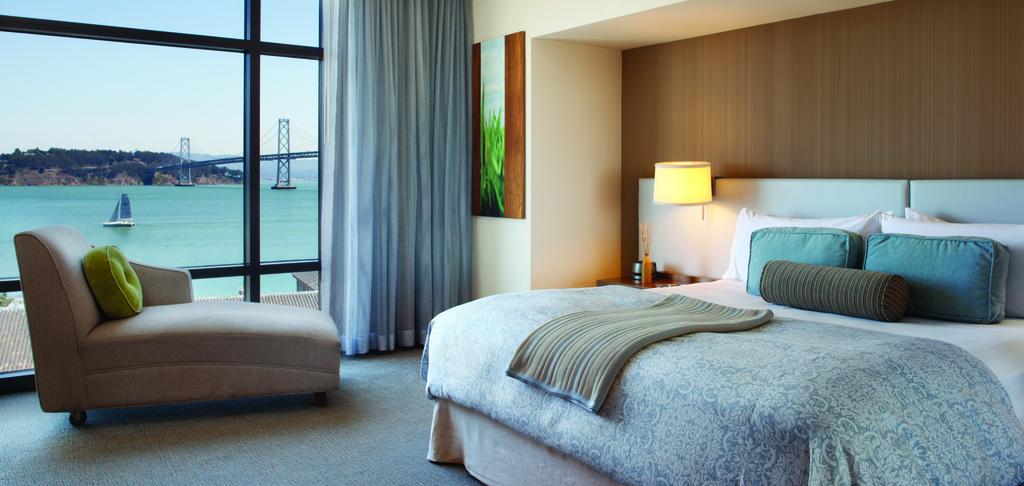 Vitale Guestroom King 03 PD0912 CRPD1600x760