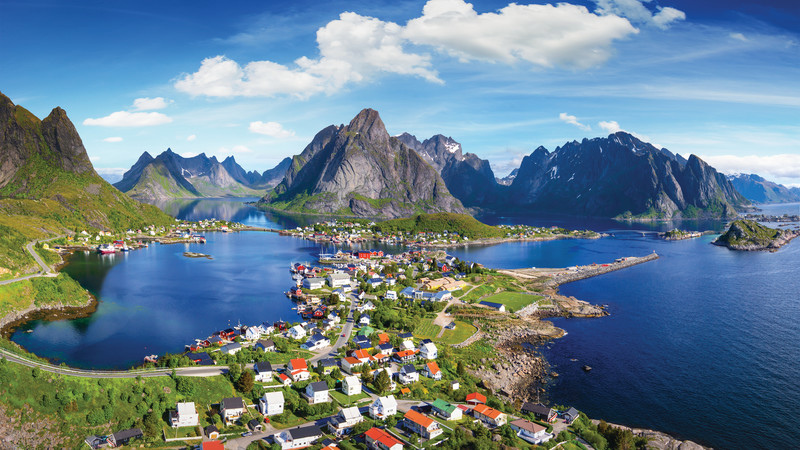 Travel-Norway_Reine_Lofoten