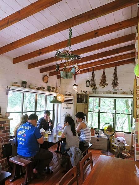 橄欖樹咖啡民宿39