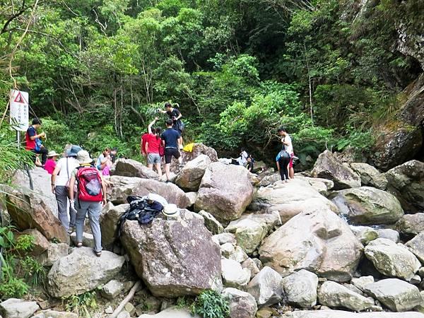 猴洞坑瀑布11.jpg