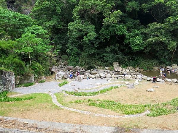 猴洞坑瀑布03.jpg