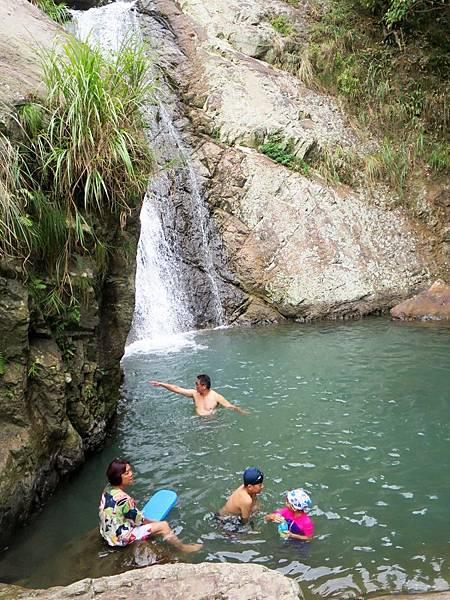 猴洞坑瀑布05.jpg