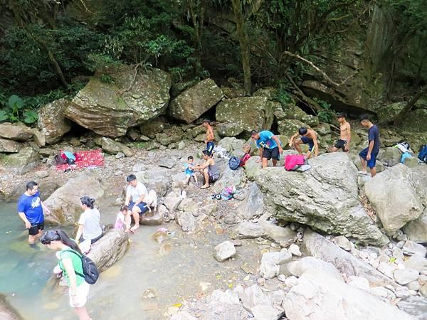猴洞坑瀑布07.jpg