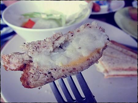 D.蔬果沙拉 烤薯泥起司吐司