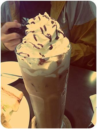 冰美式摩卡咖啡